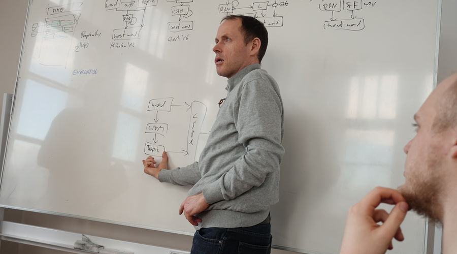 Prof. Dr. Felix Gers at the whiteboard