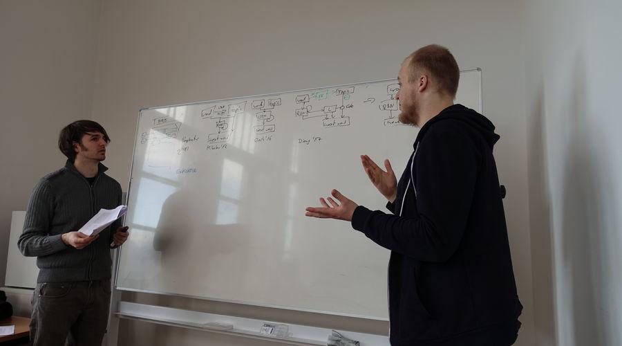 Rudolf Schneider, M. Sc. at the whiteboard